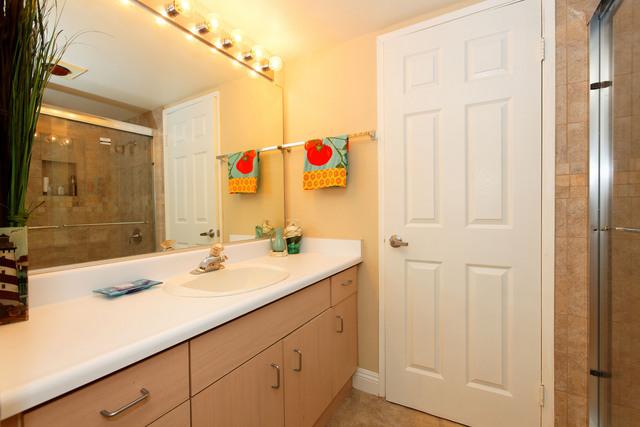 1270-cleveland-bathroom