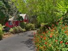 casa-tranquilo-driveway