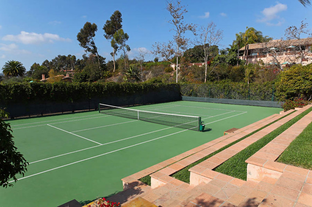 valencia-villas-tenniscourt